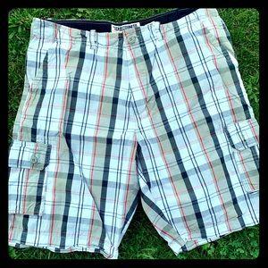 ECKO men's plaid cargo shorts